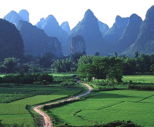 Name:  Karst-Mountains-in-Yangshuo_Beautiful-landscape_3115.jpg Views: 419 Size:  137.9 KB