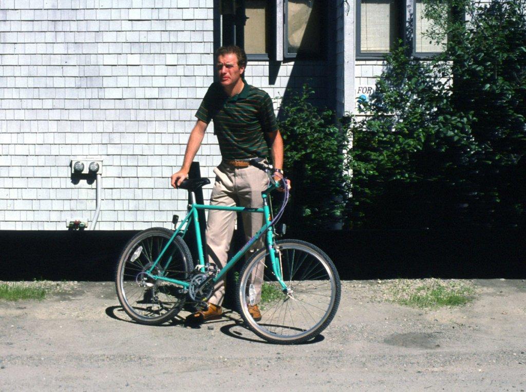 Newbie Signing on! Rebuilding my Original 1987 Raleigh Elkhorn-ken-mtn-bike87.jpg