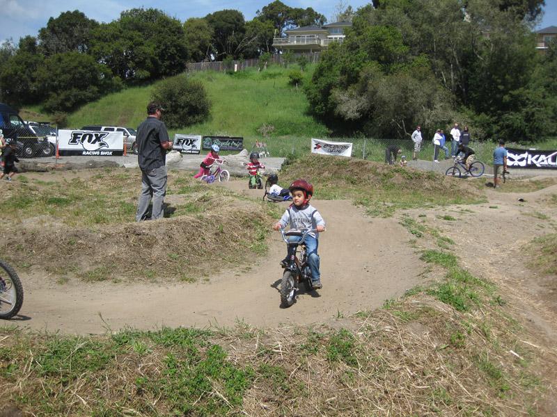 kids-pump-track