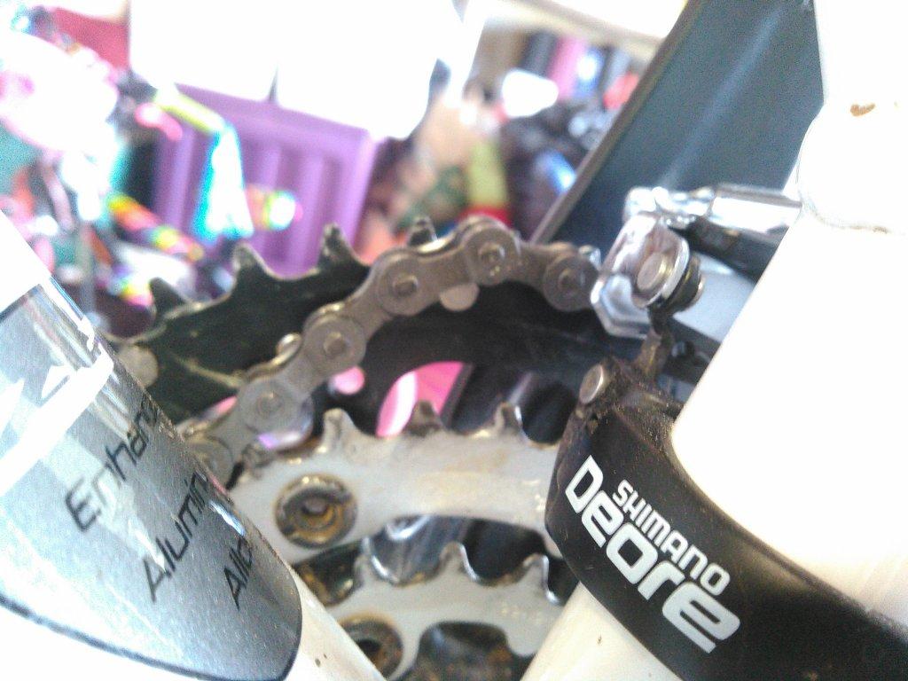 Torqued my crank bolt, now this is happening . . .-kimg0080-1-.jpg