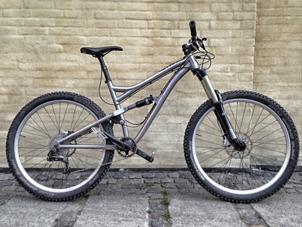 Post your Enduro/Super D rigs here...-kingdomhex1.jpg