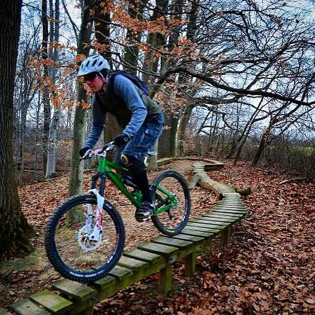Show us a picture of your 26er MTB that you still use on the trails-knollyjpg.jpg
