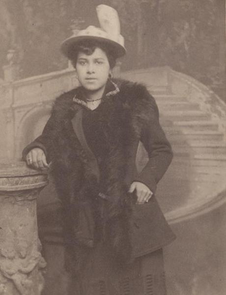 Kittie Knox - Early Wheelwoman-knox-side2.jpg