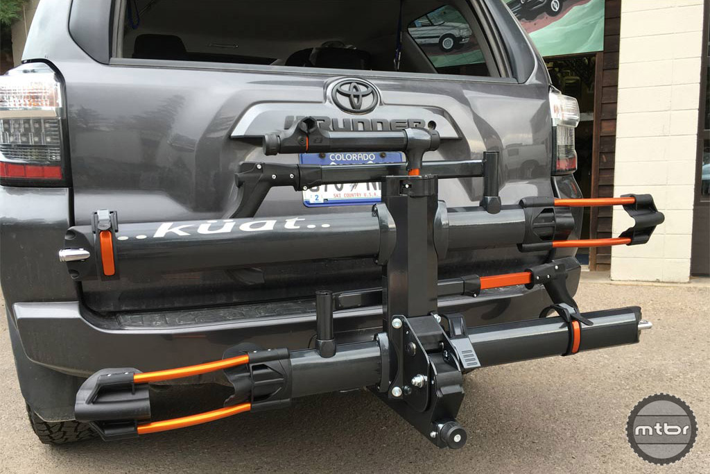 Küat NV 2.0 on a Toyota 4Runner.