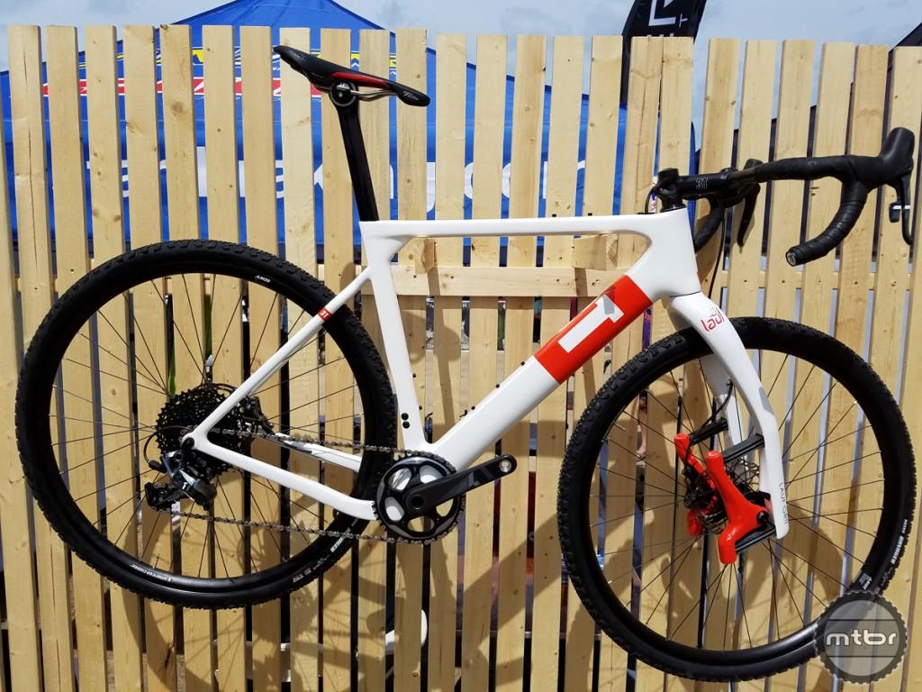 Lauf-Grit-in-White-full-bike-1024x768