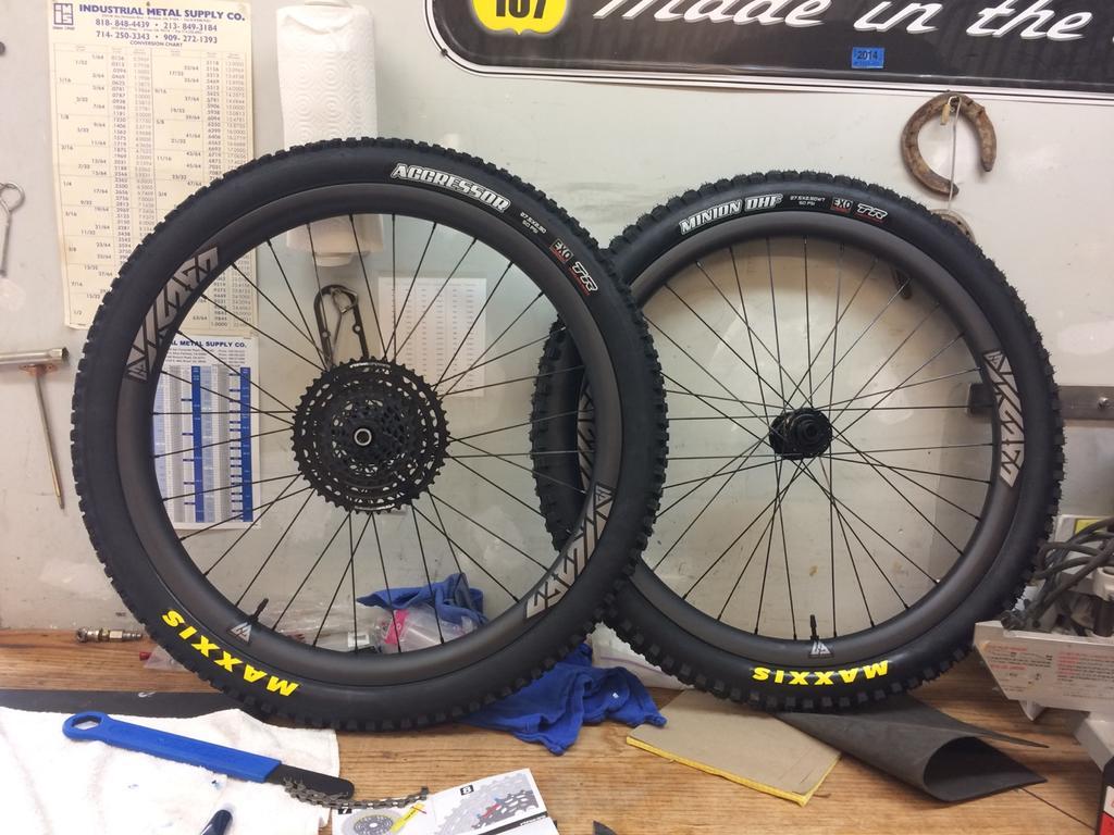 Light Bicycle Carbon Rims-lb-wheels.jpg