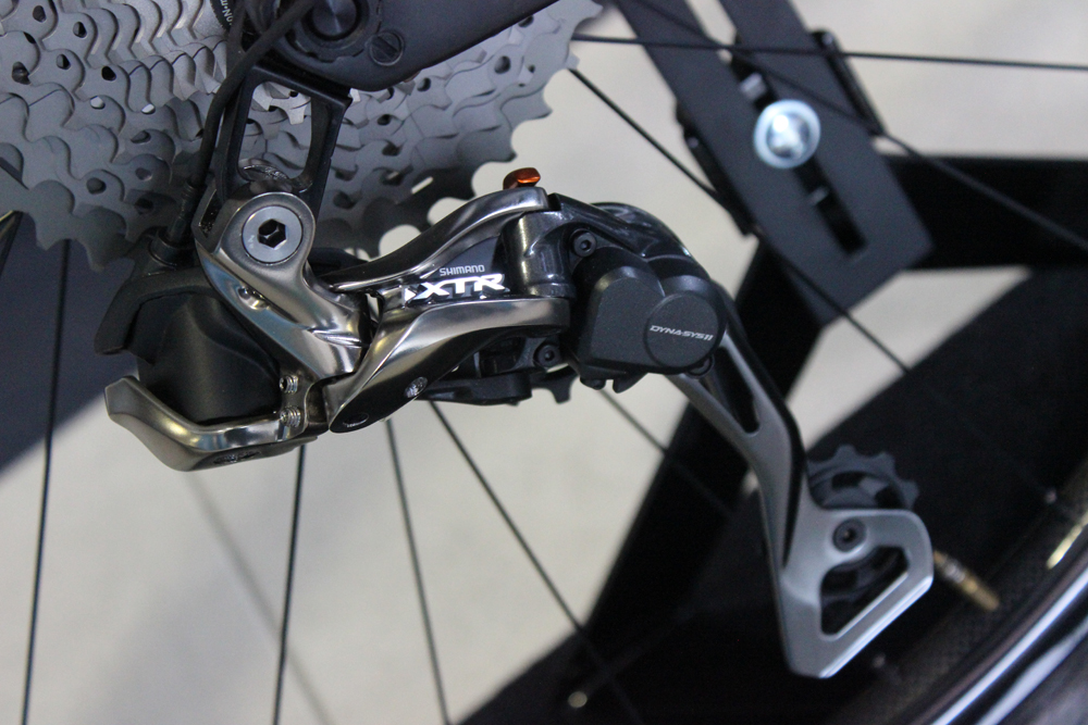 Shimano's answer to SRAM's 1x11-le_derailleur_arriere_du_groupe_shimano_xtr_di2.jpg