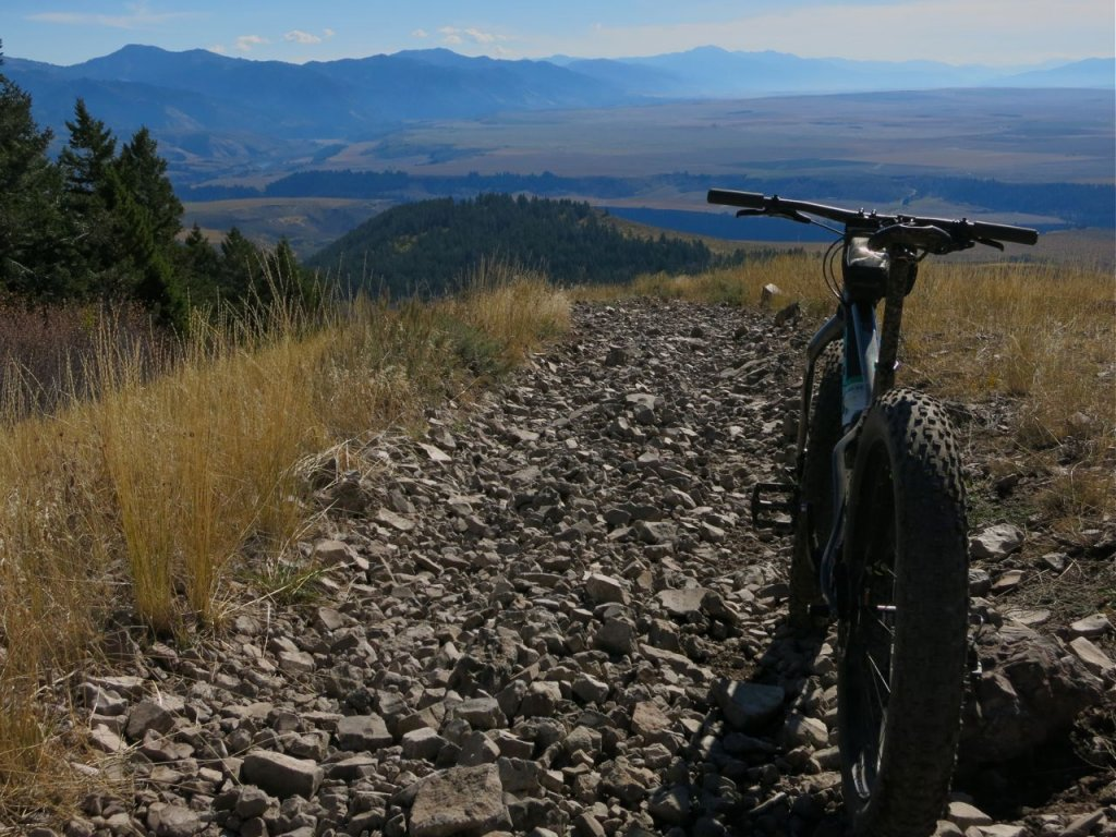 2016 Trek Farley 5, 7, 9, 9.6, and 9.8 Fat Bikes-leaning-fir.jpg