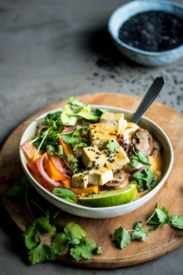 Vegetarian / Vegan / Raw recipes & chat-lemongrass-coconut-noodle-soup-1-2-640x960.jpg