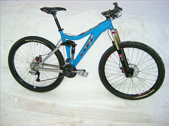 "It's blue, has 5"" of travel and 29"" wheels...-lenz-1.jpg"