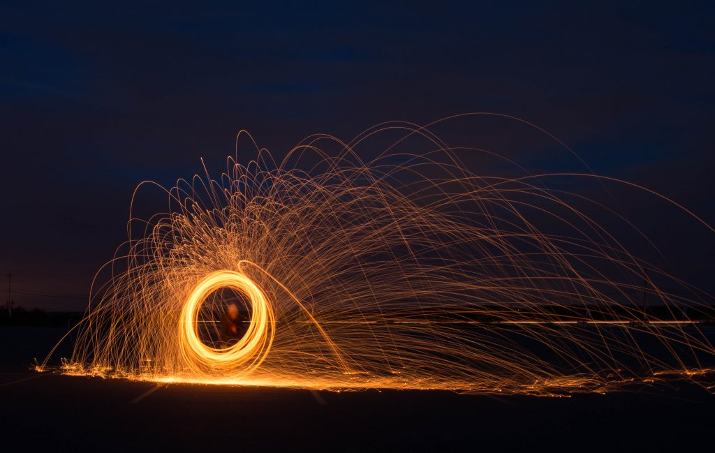 Photography Thread-light-painting.jpg