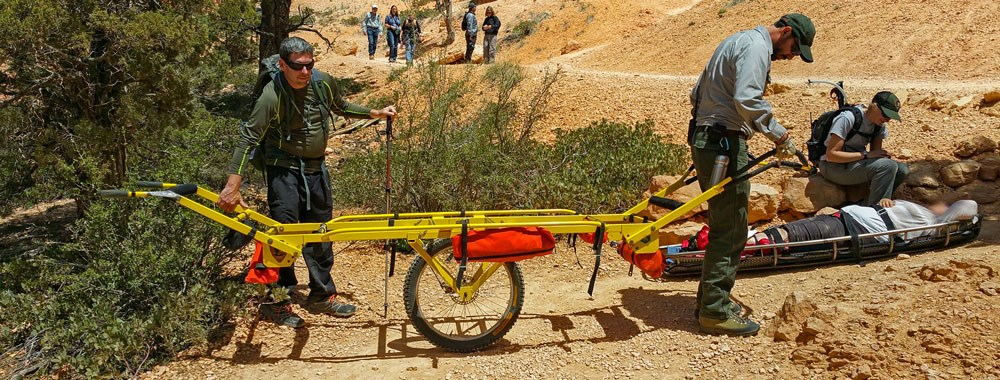 Hauling one big rock-litter_carry_out_20150810_004a.jpg