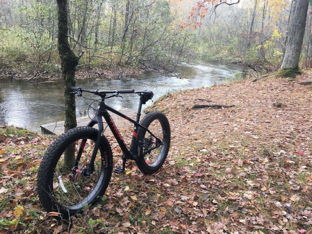 2016 Trek Farley 5, 7, 9, 9.6, and 9.8 Fat Bikes-littlemanpub.jpg