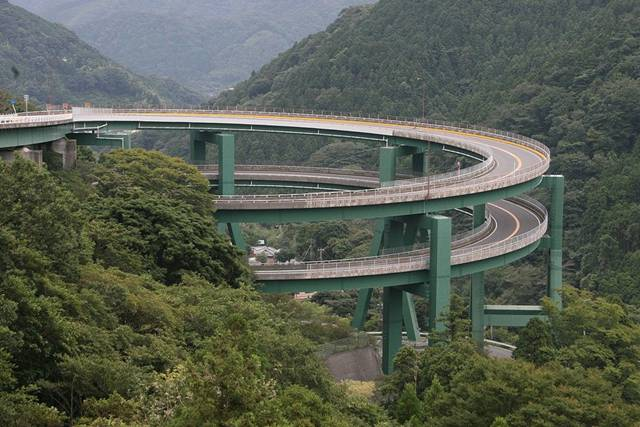 This Thread is all about Bridges-loopbridge01.jpg