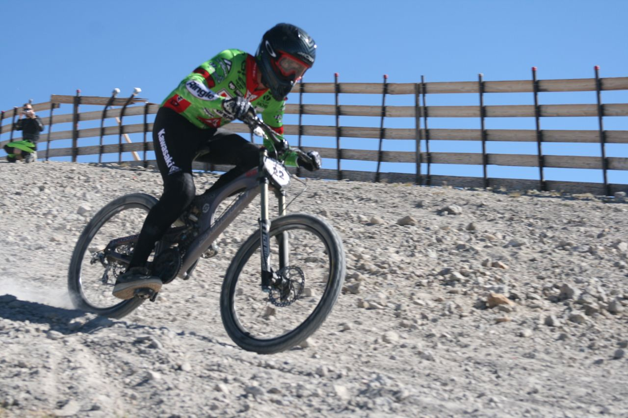 """Tattoo Lou"" DeAngelis shredding it in the first turn."