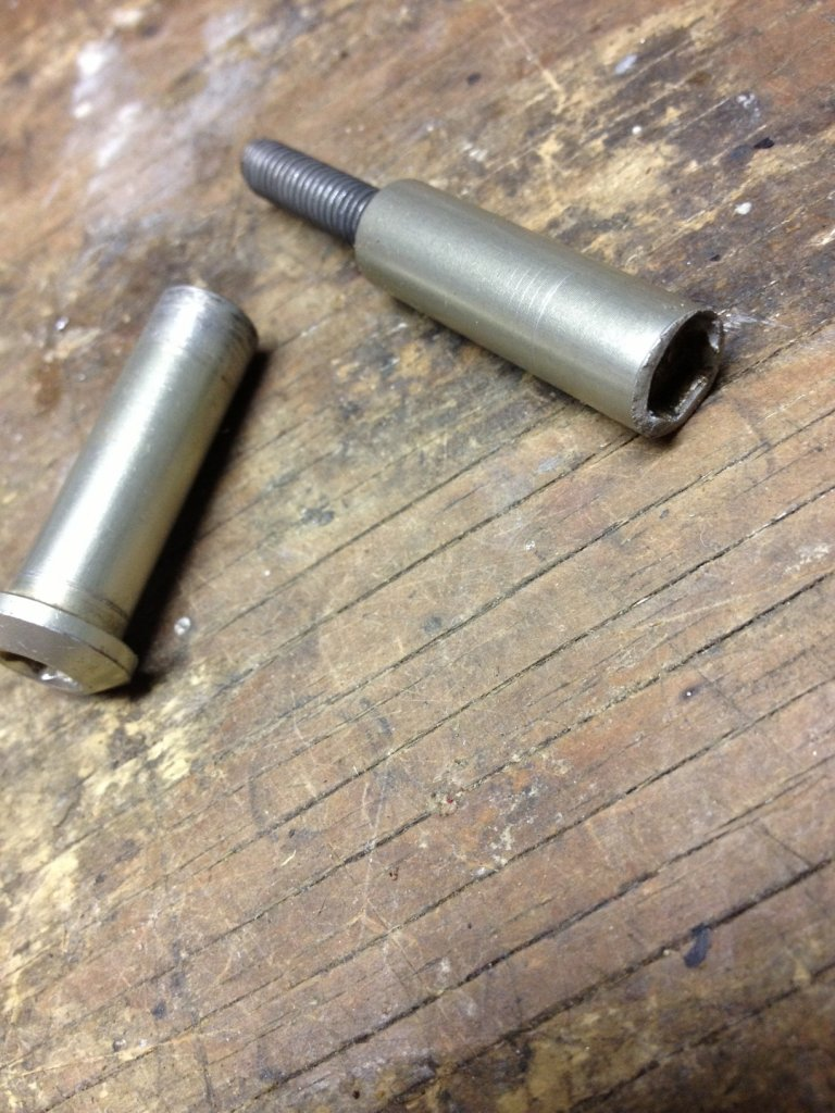 Help me find a bolt for my Pinn'r-lower-linkage-bolt.jpg