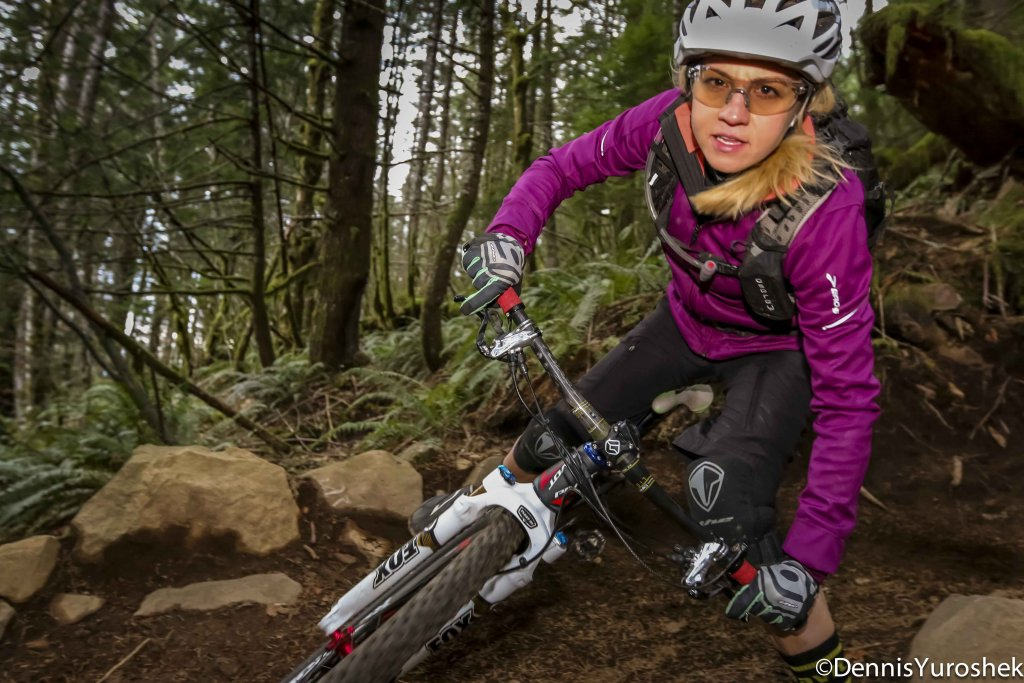 Strobist Gallery- let's see your external flash MTB shots-lowq-2.jpg
