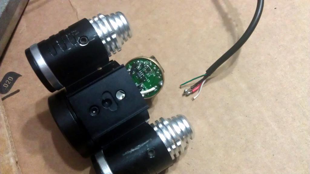 Color Cables for 2400 Lumens CREE XM-L T6 LED +2x XPE R2 LED Bike-luces02.jpg