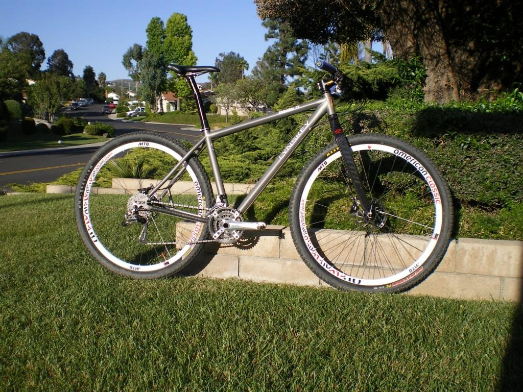 Post pictures of your titanium frames with rigid forks!-lynskey2.jpg