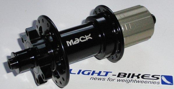 Lightweight 28h disc hubs?-mack5.jpg