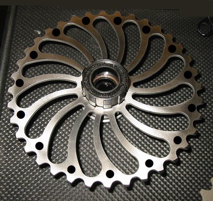 Experimental Prototype titanium chainrings???-matthias-hellore-ti-chainring.jpg