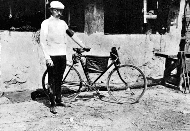 Gravel Grinder Bikes...that new?-mauricegarin.getty.jpg