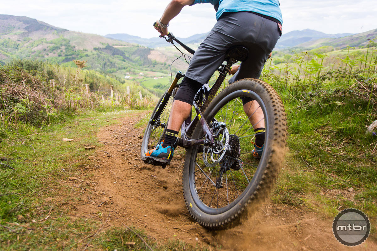 These new carbon hoops are designed for most riders and most riding situations, ripping around in the Basque Country included.