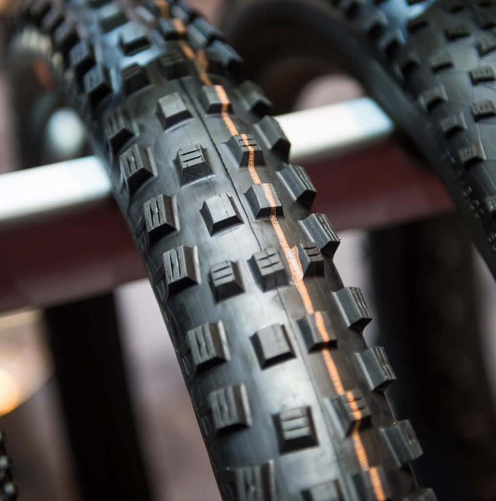 "Seriously, no 29 x 2.6"" Aggressive Trail Tires Available?-max_schwalbe_magic_mary_2point8_716259.jpg"