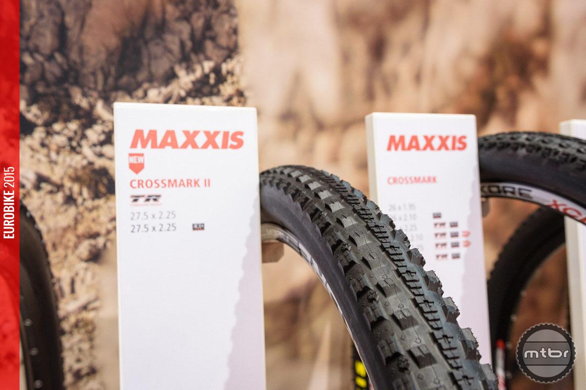 Maxxis Crossmark II cross country tire.