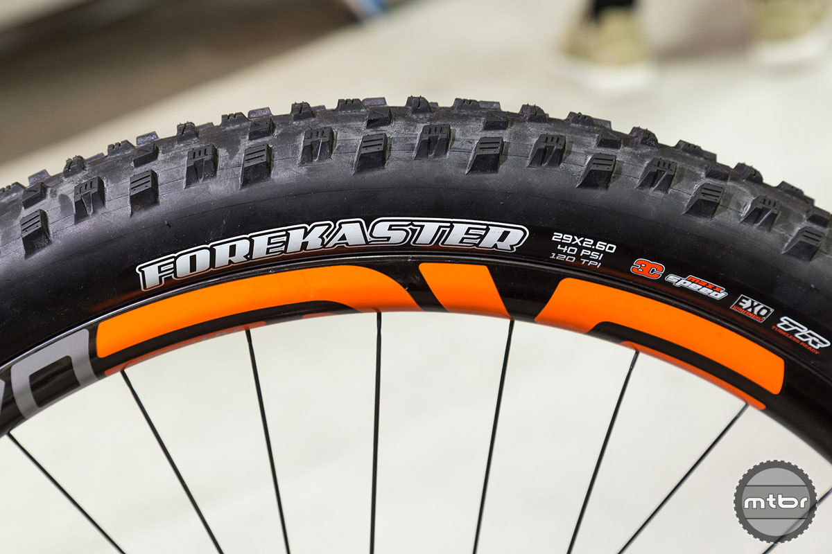 Maxxis Forekaster 29x2.6