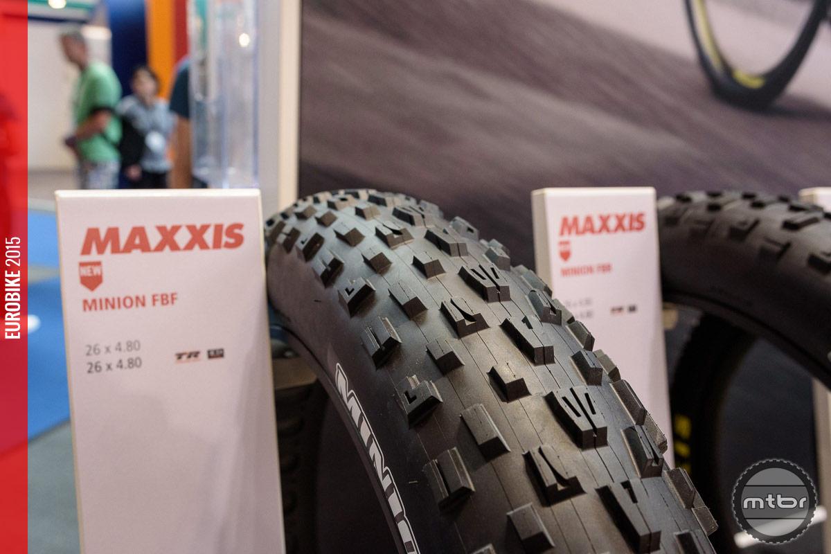 Maxxis Minion FBF fat bike tire.