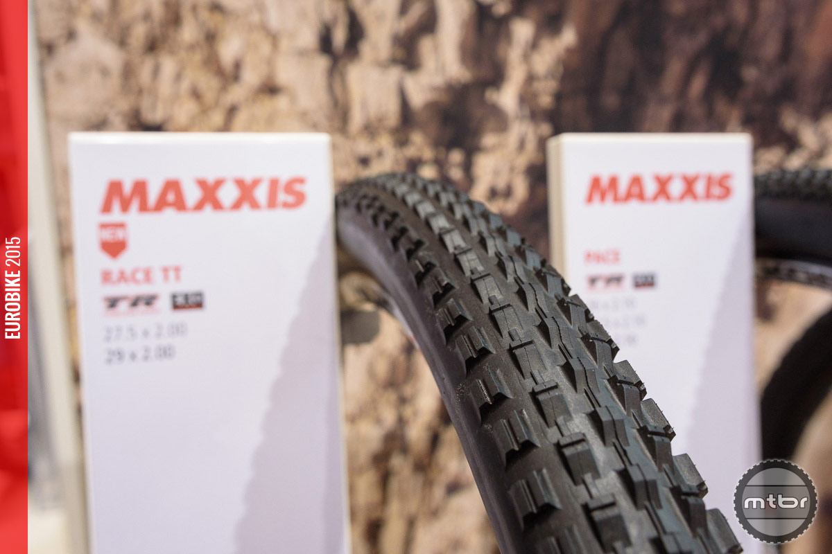 Maxxis Race TT cross country tire.