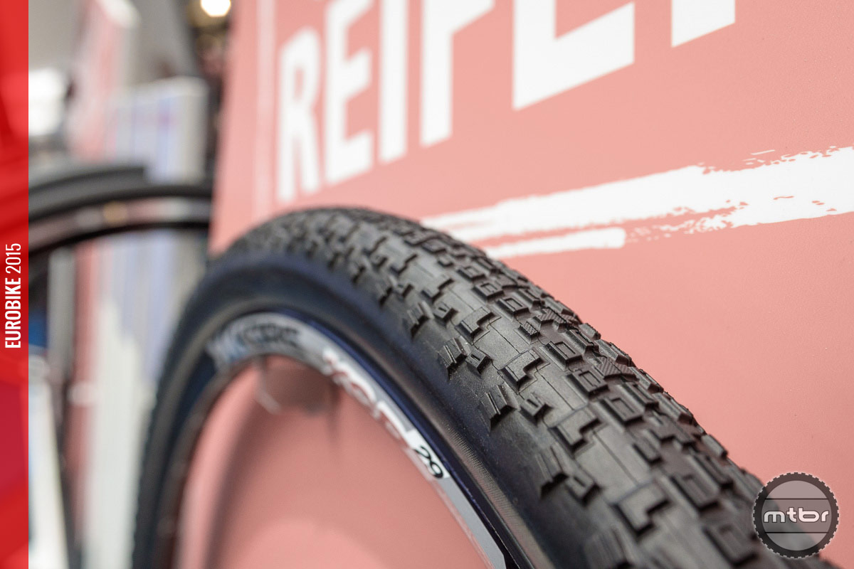 Eurobike 2015 Maxxis Rolls Out New Tires For Xc Enduro