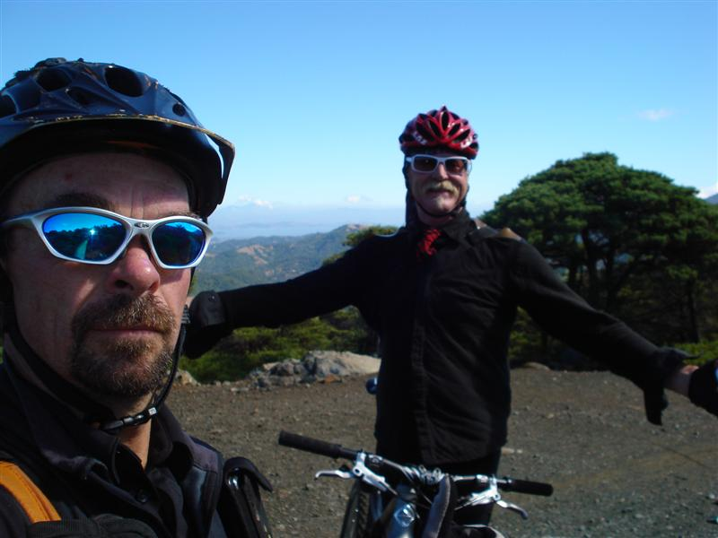 Coolest encounter on a trail-me-gary-fisher.jpg