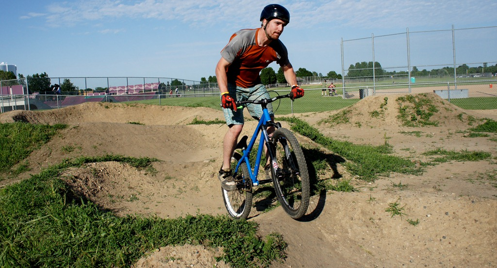 Post Your Dirtjumps!-me-pump-1.jpg