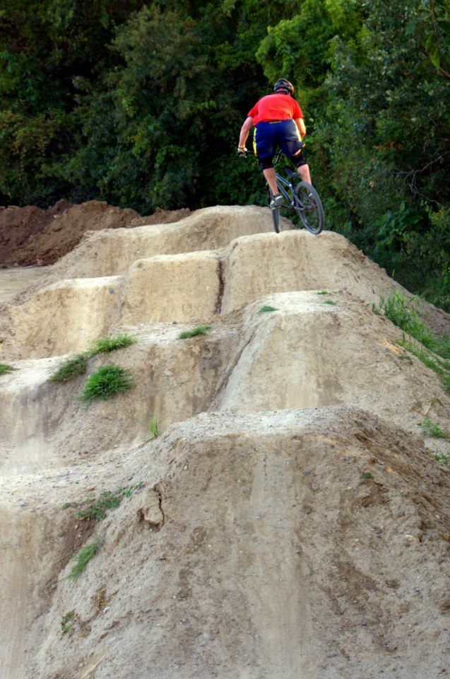 Post Your Dirtjumps!-me-pump-7.jpg