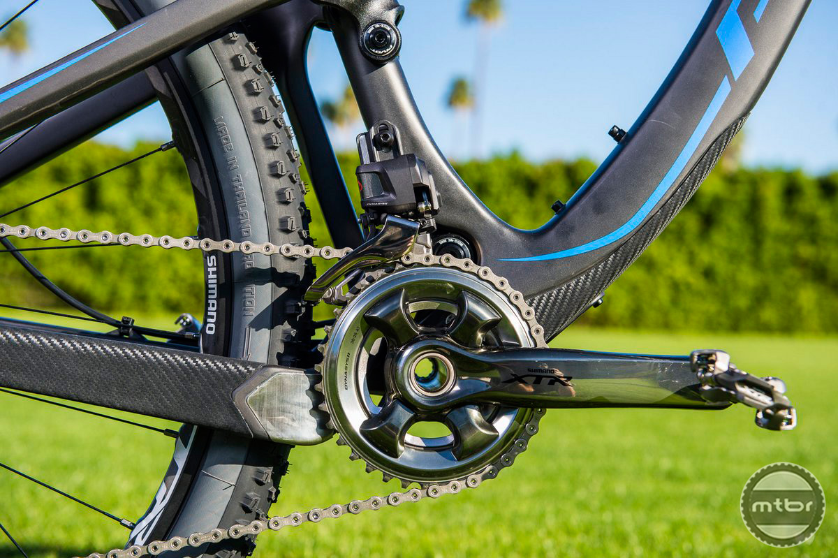 The Di2 XTR Crank has chainrings that are ideally spaced for 11 speed so the jump between them is not harsh.