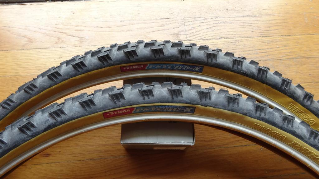 Gum/tan/skin wall tires - let's see them!-med_dsc02065.jpg