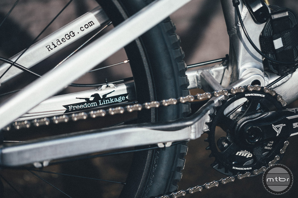 Chainstays has been shortened by 13mm to increase the bike's playfulness.