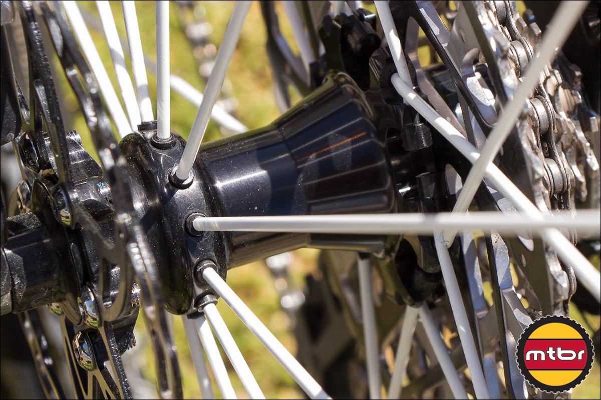 Spinergy Carbon 29er Rear Wheel - Non-Driveside Radial Spoke Lacing