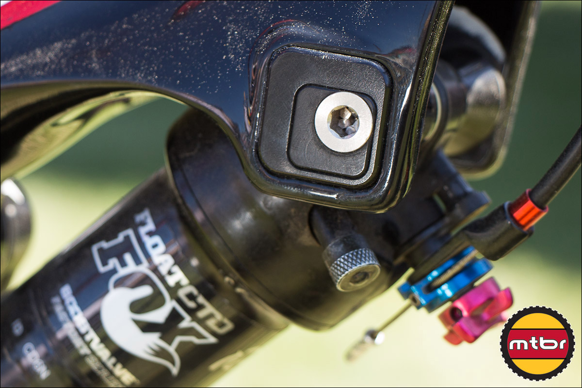 Close-Up: Ride-9 Adjustable Shock Mount On The 2013 Rocky Mountain Altitude