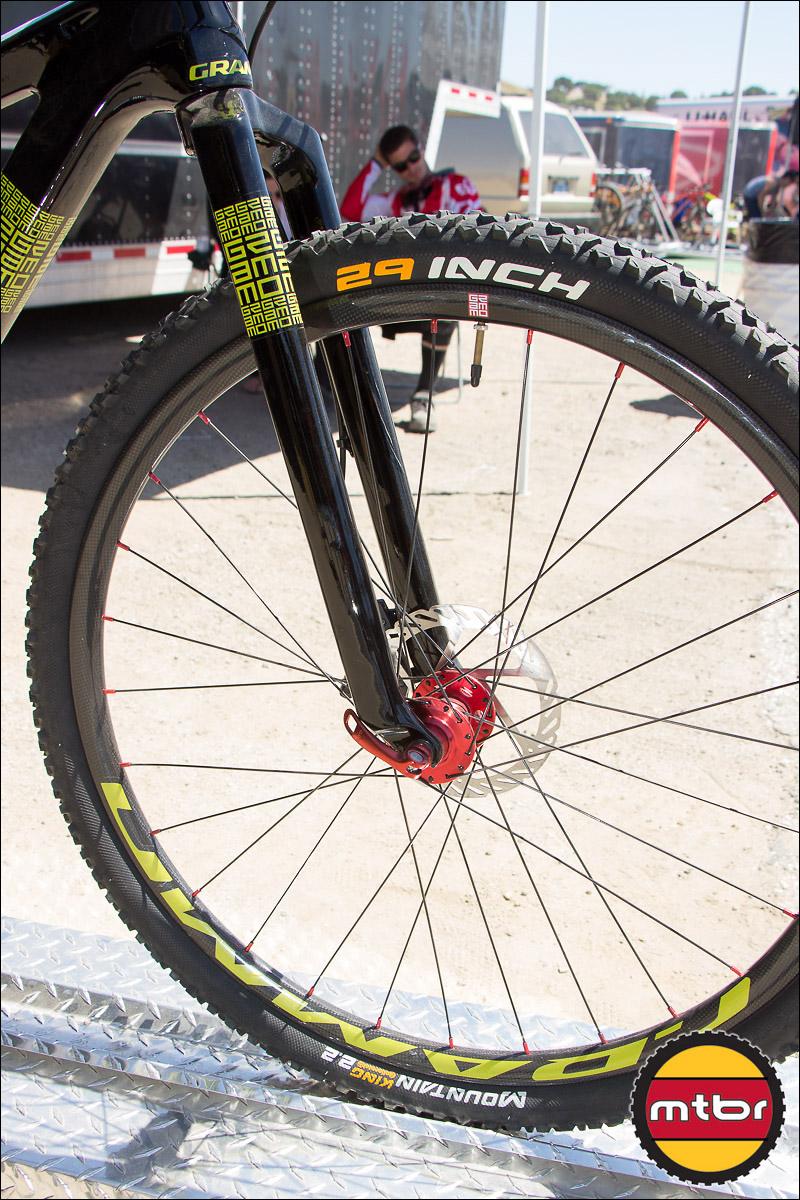 Grammo Carbon Fiber 29-Inch Wheels