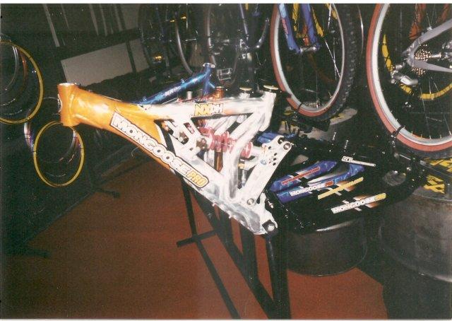 Old School DH bikes-mongoose-1.jpg