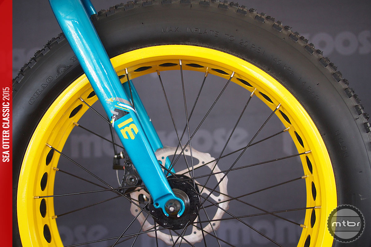 Bright yellow rims look good and increase kids visibility.