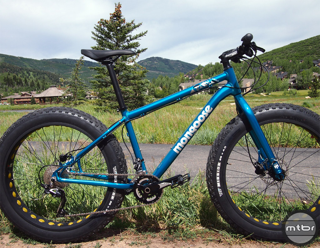 The Mongoose Argus is an alloy framed fat bike with a zero stack headset that allows the fork to be upgraded to a tapered steerer (suspension) fork.