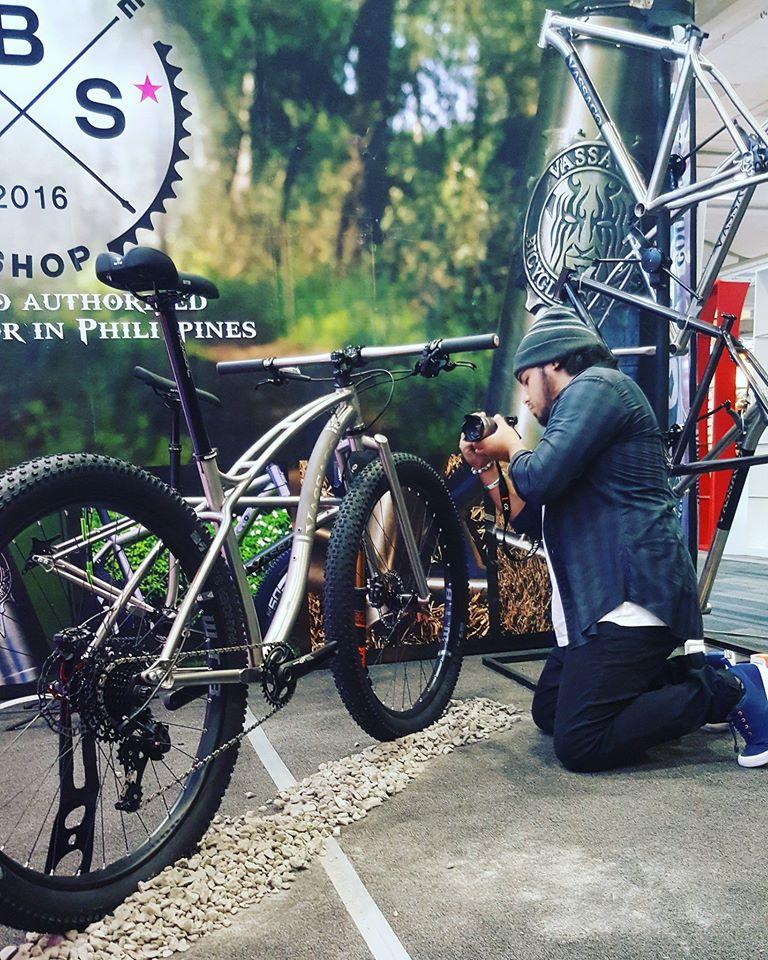 New Vassago Bike-mooseknuckle.jpg