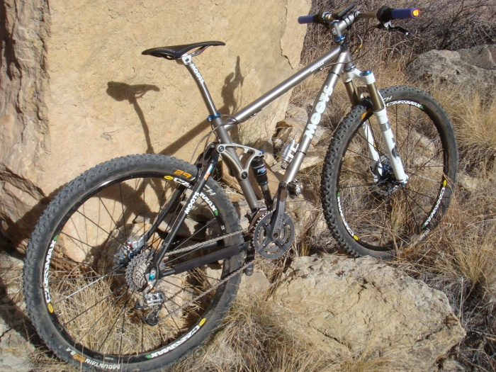 Moots Mooto-XZ with 29er Mountain Kings