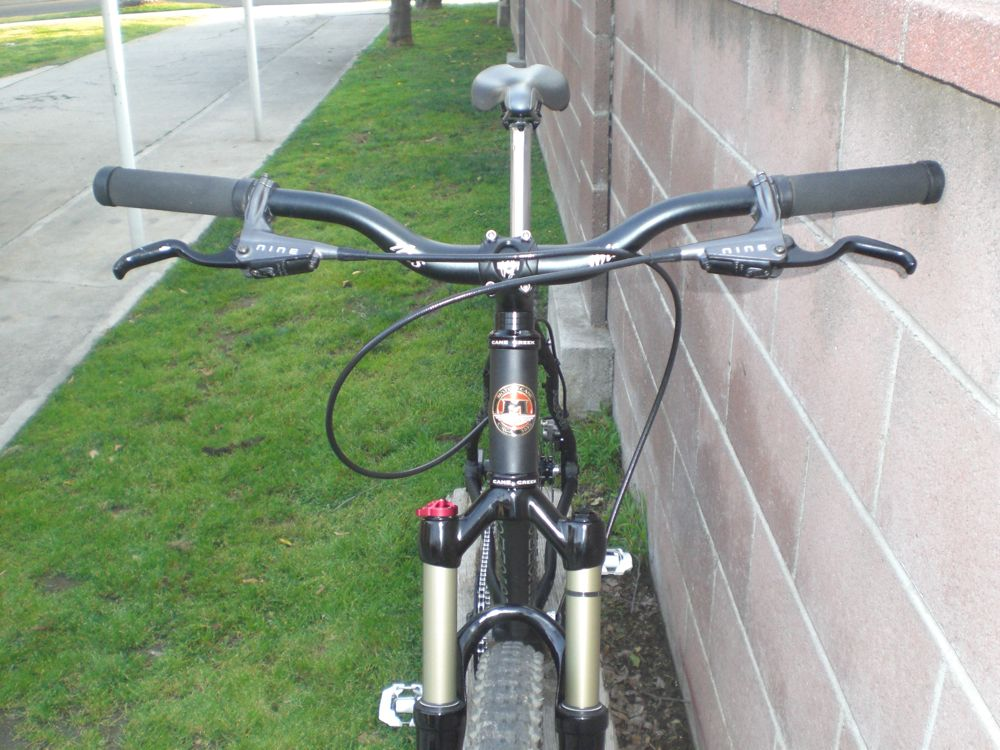 Why do Americans and British use opposite brake levers?-moto26.jpg