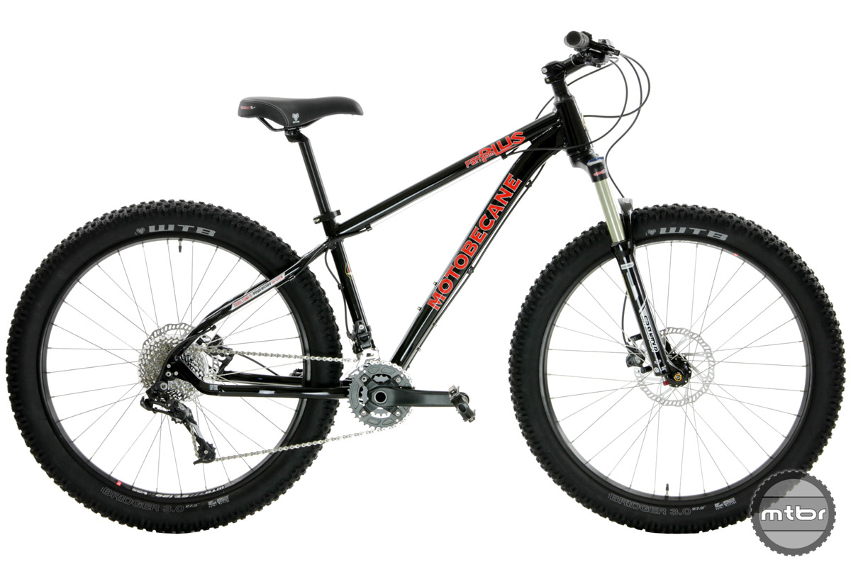 Features include WTB TCS tubeless compatible wheelsets, tapered head tubes, front and rear thru-axles, lockout suspension forks, hydroformed aluminum frames, and disc brakes.