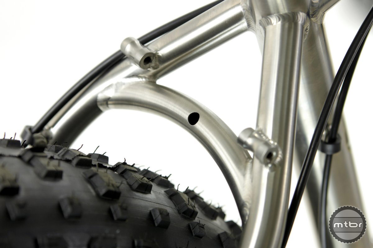 Motobecane NightTrain seatstays have room for up to 5.0 inch tires.